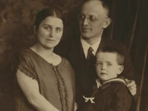 Gerda Braunold mit Ehemann Friedrich und Sohn Joseph | Gerda Braunold, his husband Friedrich and his son Joseph