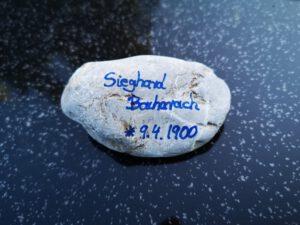 Sieghard Bacharach, Gedenkstein April 2021